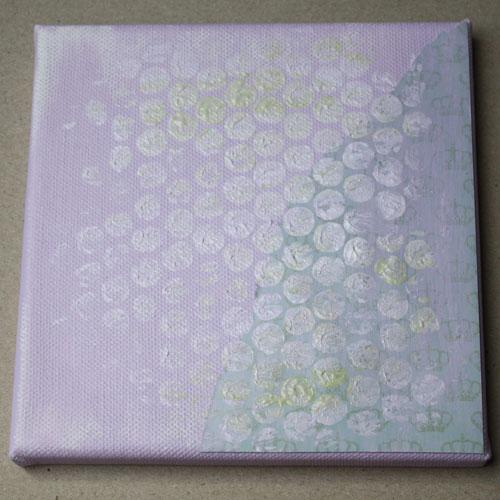 Keilrahmen mit Luftpolsterfolie & Acrylfarbe bestempelt